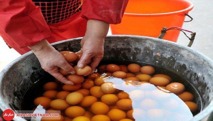 Trứng luộc nước tiểu