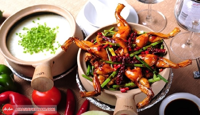 Nếm thử nhiều món ngon Singapore