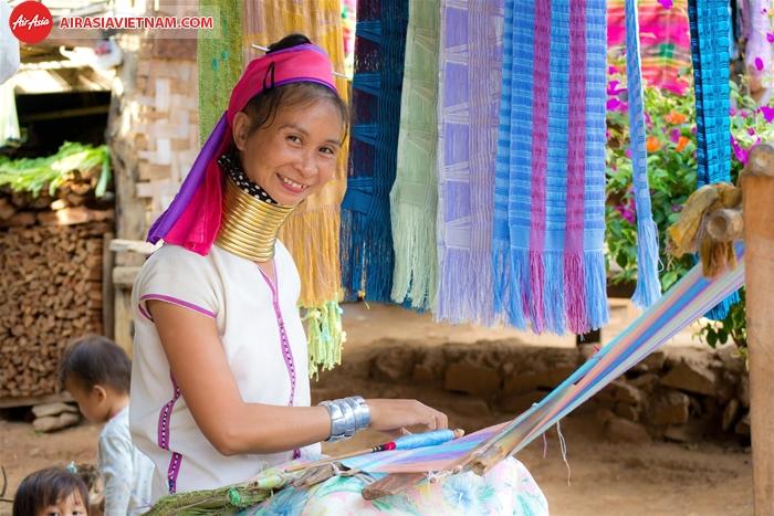 Dân tộc cổ dài ở Chiang Mai