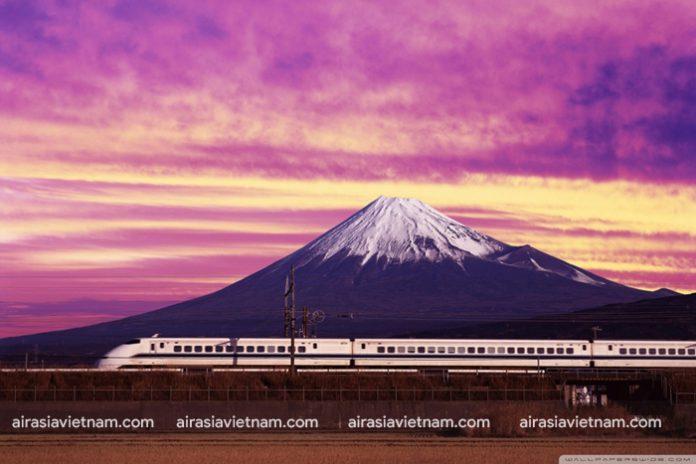 Ngắm núi Phú Sĩ từ chuyến tàu từ Tokyo đến Kyoto