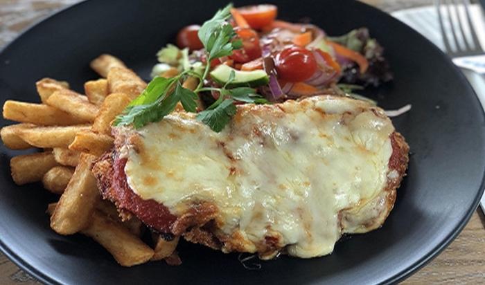 Hương vị độc đáo của món Úc nướng qua gà Parmigiana